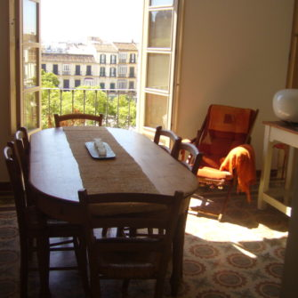 dining-room-in-host-family-campus-idiomatico-international-spanish-school-in-malaga